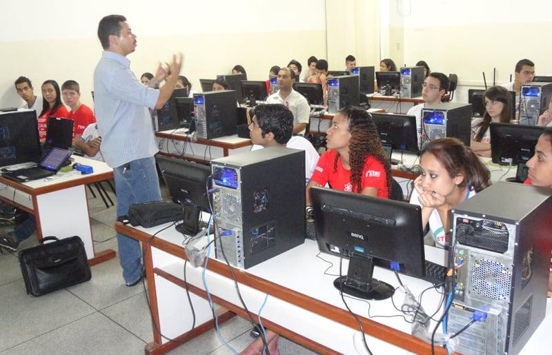 Como é o curso técnico de ADMINISTRAÇÃO na ETEC?